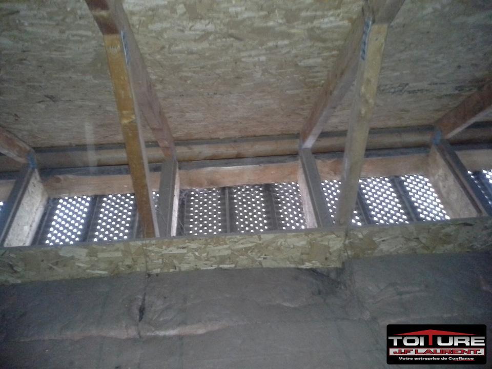 Soffite entre-toit correctement débouchée - Toiture JF Laurent à Joliette