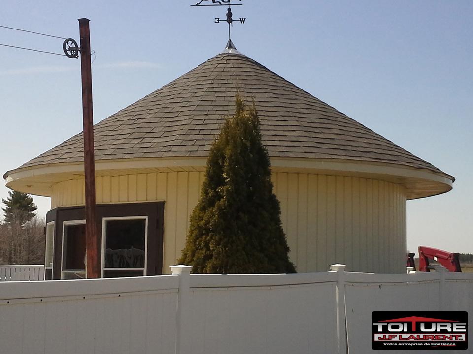 Réparation de toiture en asphalte à Joliette (tourelle en rond) - Toiture JF Laurent à Joliette