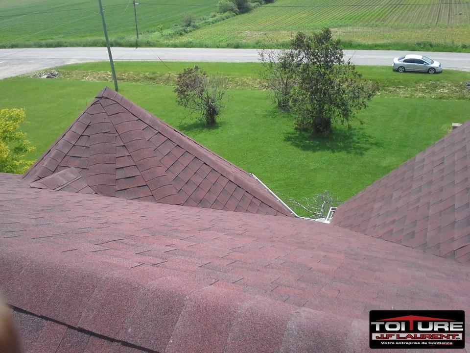Pose de toiture en bardeaux d'asphalte à Crabtree - Toiture JF Laurent à Joliette